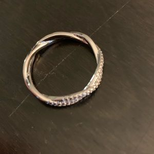 Jewelry - 14k solid white gold ring